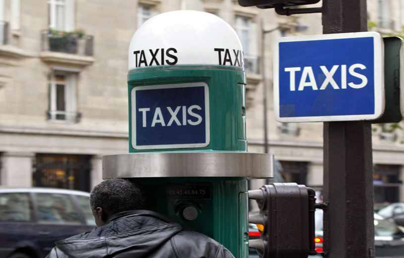 paris face au flop de l 39 appli paris taxi les chauffeurs veulent le retour des bornes. Black Bedroom Furniture Sets. Home Design Ideas