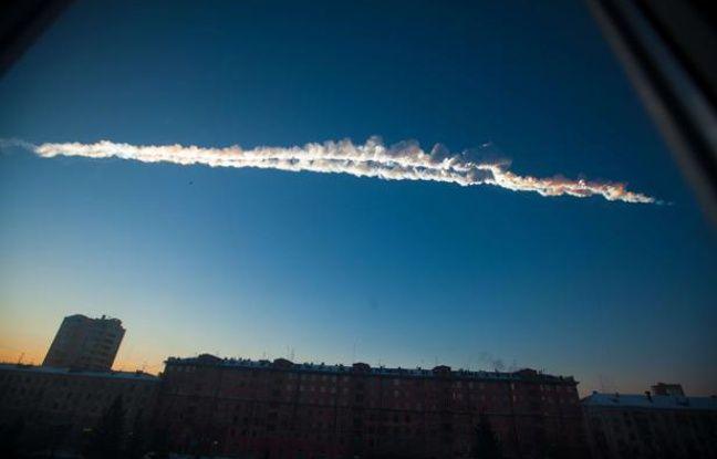Une météorite a traversé le ciel russe, le 15 février 2013