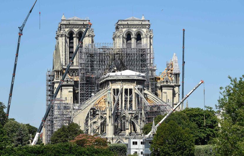 Plomb autour de Notre-Dame: Barrières posées et rues fermées en vue des travaux de décontamination
