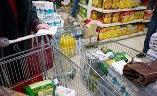 """L'association de consommateurs CLCV réclame dans une étude mardi plus de transparence dans la formation des prix alimentaires et un état des lieux de la concurrence locale dans la distribution, craignant une répercussion des hausses au consommateur """"mécanique"""" et """"très contestable""""."""