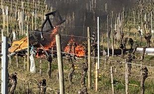 L'hélicoptère s'est écrasé jeudi 5 avril vers 10 h au milieu des vignes, à Lussac (Gironde).