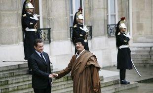 Nicolas Sarkozy et Mouammar Kadhafi, le 10 décembre 2007 à l'Elysée