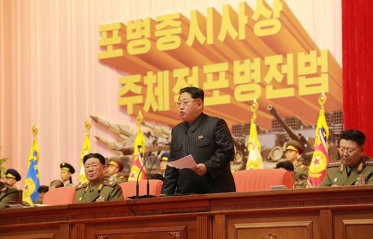 Le président nord-coréen Kim Jong-Un à Pyongyang début décembre 2015. – KNS / KCNA / AFP