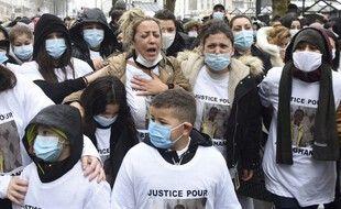 Plusieurs centaines de personnes se sont rassemblées à Nantes pour rendre hommage au garçon de 15 ans décédé.