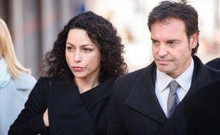 Eva Carneiro et son mari le 7 mars devant le tribunal de Croydon.
