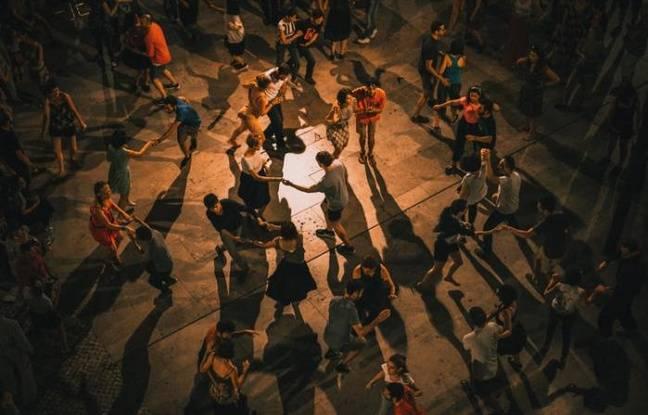 Danseurs de danse de salon en plein air