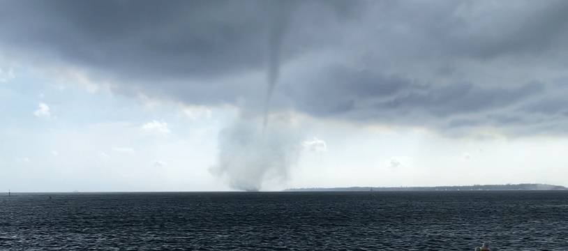Une trombe marine au large d'Antibes ce jeudi après-midi.