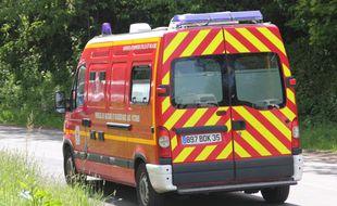 Illustration d'un véhicule de secours des pompiers. Ici en Ille-et-Vilaine.