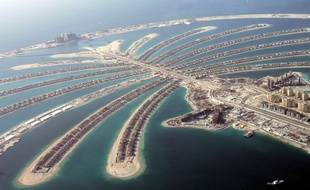 Jumeira Palm Island has been seen from a helicopter Thursday, May 3, 2007. (AP Photo/Kamran Jebreili).