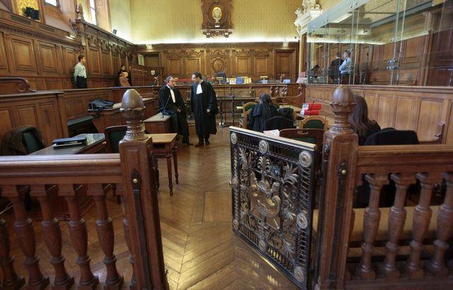 A 78 ans, une femme est condamnée à 8 ans de prison pour le meurtre de son mari 640x410_illustration-cour-assises-palais-justice-paris