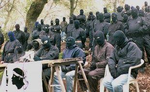 Les membres du Front de libération nationale corse (FNLC) lors d'une conférence de presse, le 5 mai 1996, à Ajaccio. (Illustration)