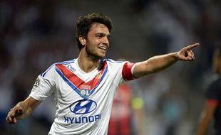 Le milieu de terrain lyonnais Clément Grenier le 10 août 2013 contre Nice.