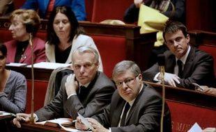 Le gouvernement a suspendu jeudi la réforme du Conseil supérieur de la magistrature (CSM) mise à mal par le Sénat qui l'a vidée de substance, enterrant ce qui devait être la première réforme constitutionnelle de François Hollande.