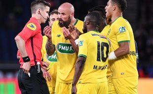 Les Nantais n'ont pas été aidés par l'arbitrage mercredi soir face au PSG.