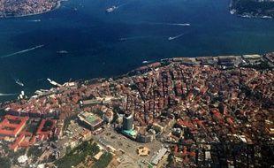 Epargné de longue date par les séismes qui frappent régulièrement la Turquie, un petit segment de faille situé aux portes d'Istanbul, sous la mer de Marmara, expose la mégalopole turque à un tremblement de terre potentiellement dévastateur.