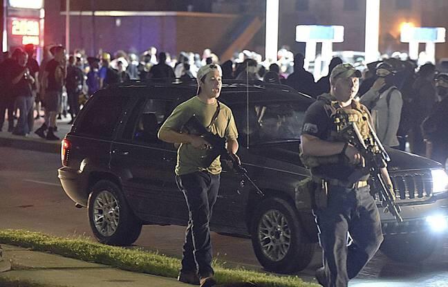 Kyle Rittenhouse (gauche), un jeune militant pro-Trump de 17 ans, a été inculpé pour le meurtre de deux personnes lors des manifestations à Kenosha, dans le Wisconsin.