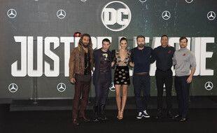 Le casting de «Justice League», de gauche à droite: Jason Momoa, Ezra Miller, Gal Gadot, Ben Affleck, Ray Fisher et Henry Cavill