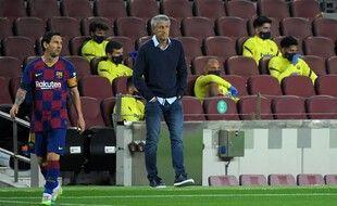 Quique Setién lors d'un match contre Leganes au Camp Nou.