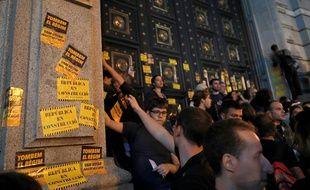 Barcelone, le 1er octobre 2018. Des personnes pro-indépendance de la Catalogne lors d'une manifesation, un an après un  référendum d'autodétermination interdit par Madrid