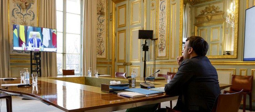 Emmanuel Macron a participé au G5 Sahel en visioconférence depuis Paris, le 15 février 2021.