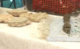 L'habitation a été découverte à une dizaine de mètres de profondeur, en creusant une ligne de métr.