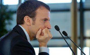 Le ministre français de l'Economie Emmanuel Macron lors d'une conférence de presse sur les délais de paiement le 23 novembre 2015 à  Bercy