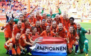 La joie de l'équipe des Pays-Bas, vainqueur de l'Euro féminin face au Danemark, le 6 août 2017.