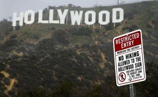 Un panneau interdit l'accès aux lettres emblématiques d'Hollywood (illustration).