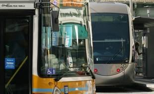 Bus et tram du réseau Lignes d'Azur, dans la métropole Nice Côte d'Azur