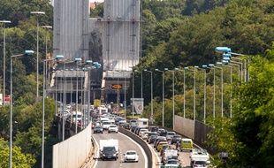 A l'entrée du tunnel sous Fourvière à Lyon.
