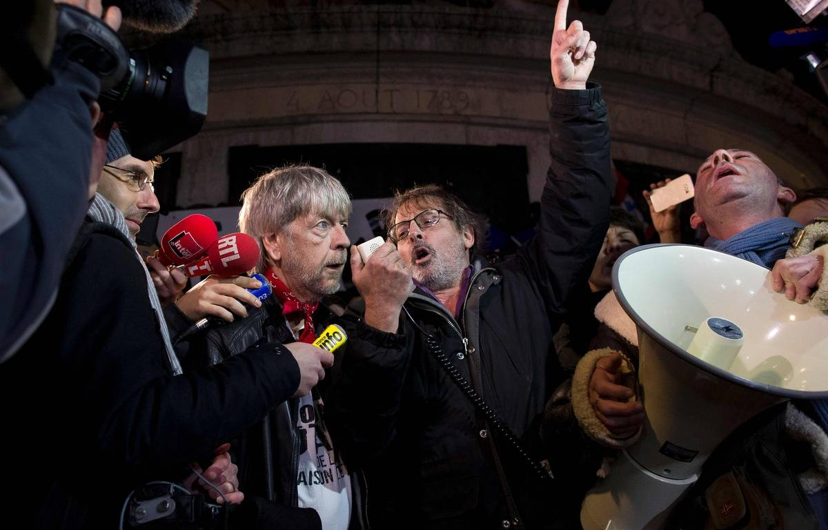 Renaud et Christophe Aleveque,Place de la Republique, le 7janvier 2016 à Paris.AFP / KENZO TRIBOUILLARD – AFP