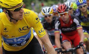 Bradley Wiggins, le maillot jaune du Tour de France, le 14 juillet 2012, au Cap d'Agde.