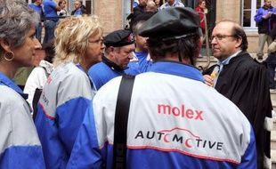 Le curé de Villemur-sur-Tarn (Haute-Garonne) rendra hommage dimanche au combat des 283 anciens salariés de l'usine française du groupe américain Molex, placée jeudi en liquidation judiciaire, en les accueillant dans son église lors de la messe dominicale.