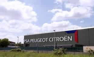 Le numéro un PSA Peugeot Citroën a perdu 9,5% et Renault 3,6%, plombé par la contre-performance de sa marque à bas coûts Dacia (-20,2%).