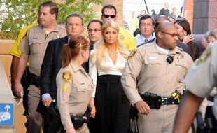 Paris Hilton à son arrivée à la cour fédéral de Las Vegas le 20 septembre 2010.