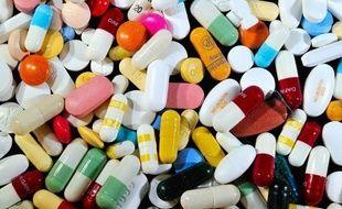 Le Conseil d'Etat a ouvert le commerce en ligne à tous les médicaments vendus sans ordonnance en retoquant un article du code de santé publique qui restreignait les ventes sur internet à seulement certaines molécules.