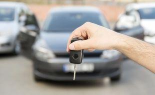 Entre pros et particuliers, des sites intermédiaires proposent une troisième voie pour acheter votre voiture d'occasion de façon sécurisée.
