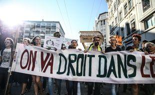 Entre 12 000 et 15 000 personnes ont manifesté samedi 13 octobre lors de la marche pour le climat de Lyon.