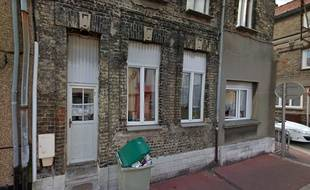 La maison où un cadavre a été découvert dans un sac de sport.