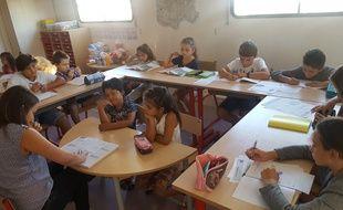 Les enfants du cirque Gruss en pleine rentrée scolaire.