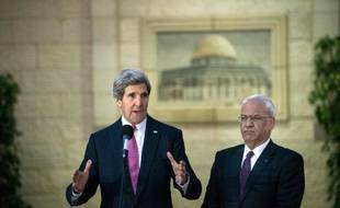 John Kerry est-il l'égal de Henry Kissinger, James Baker ou Warren Christopher qui ont marqué la politique étrangère des Etats-Unis? Même s'il peut y prétendre un jour, le chef de la diplomatie américaine n'est pas encore entré au panthéon des secrétaires d'Etat.