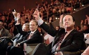 """Bertrand Delanoë, maire PS de Paris, a déclaré lundi en marge du conseil de Paris à propos du prochain congrès socialiste de de Reims qu""""il souhaitait contribuer à construire une majorité solide, dans la clarté, pas dans la confusion""""."""