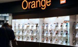 L'Autorité de la concurrence a décidé que France Télécom-Orange pouvait demander à être rémunéré pour l'ouverture de capacités techniques supplémentaires, suite à la plainte de l'opérateur de transit internet américain Cogent qui accusait le groupe français d'abus de position dominante.