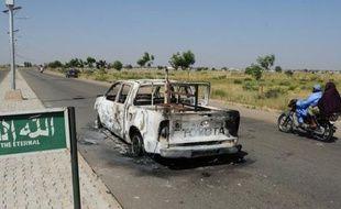 Un kamikaze a tué au moins cinq soldats en patrouille et s'est tué lui-même en projetant sa voiture dimanche contre une patrouille militaire dans la ville de Damaturu, dans le nord-est du Nigeria, a indiqué une source de sécurité.