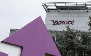 Yahoo! devrait annoncer lundi le rachat du site de blogs Tumblr pour 1,1 milliard de dollars, affirme le Wall Street Journal. Ce serait la plus grosse acquisition du groupe internet américain depuis l'arrivée cet été de sa dirigeante Marissa Mayer et l'aiderait à rajeunir son public.
