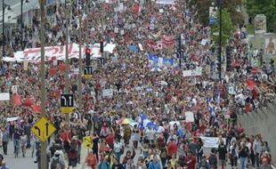 La manifestation géante de mardi à Montréal montre qu'en adoptant une loi contre la liberté de manifester, le gouvernement québécois a retourné contre lui une partie de l'opinion publique qui lui adresse maintenant maints griefs sans lien avec les frais de scolarité.