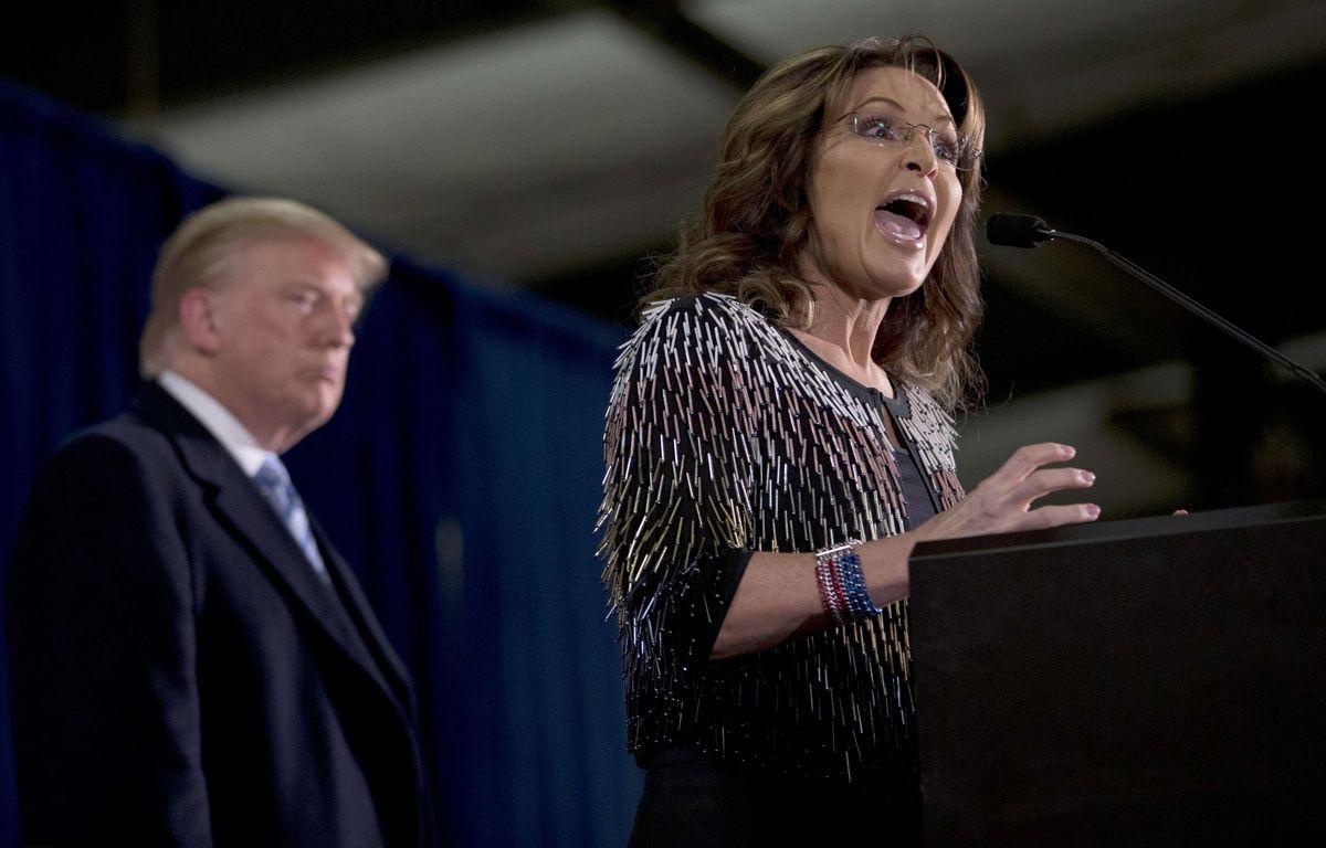 Les républicains Sarah Palin et Donald Trump lors d'un meeting dans l'Iowa, le 19 janvier 2016. – M.ALTAFFER/AP/SIPA