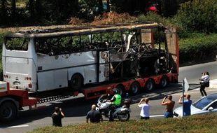 L'hypothèse de la présence d'un complice aux côtés du kamikaze décédé dans l'attentat suicide anti-israélien du 18 juillet en Bulgarie a pris de la consistance dimanche dans l'enquête des policiers et services secrets bulgares, israéliens et américains, après l'autopsie du corps du kamikaze.