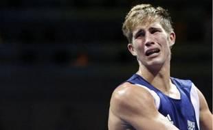 Alexis Vastine effondré après son élimination en demi-finale des - de 64 kilos face au Dominicain Felix Diaz, le 22 août 2008.