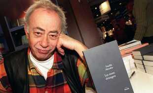 L'écrivain franco-grec Vassilis Alexakis, au Salon du livre de Paris en 2003.